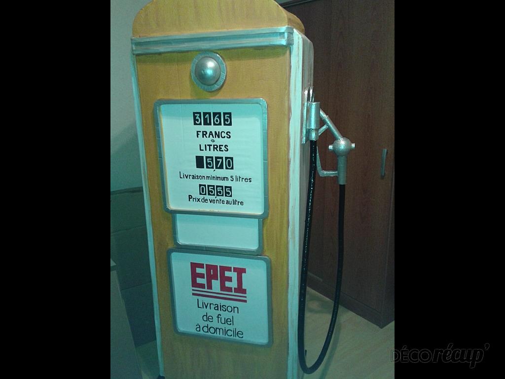Pompe essence r tro par magalo for Pompe a essence deco