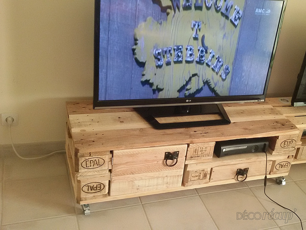 meuble tv europalette essai n 2 par sly. Black Bedroom Furniture Sets. Home Design Ideas
