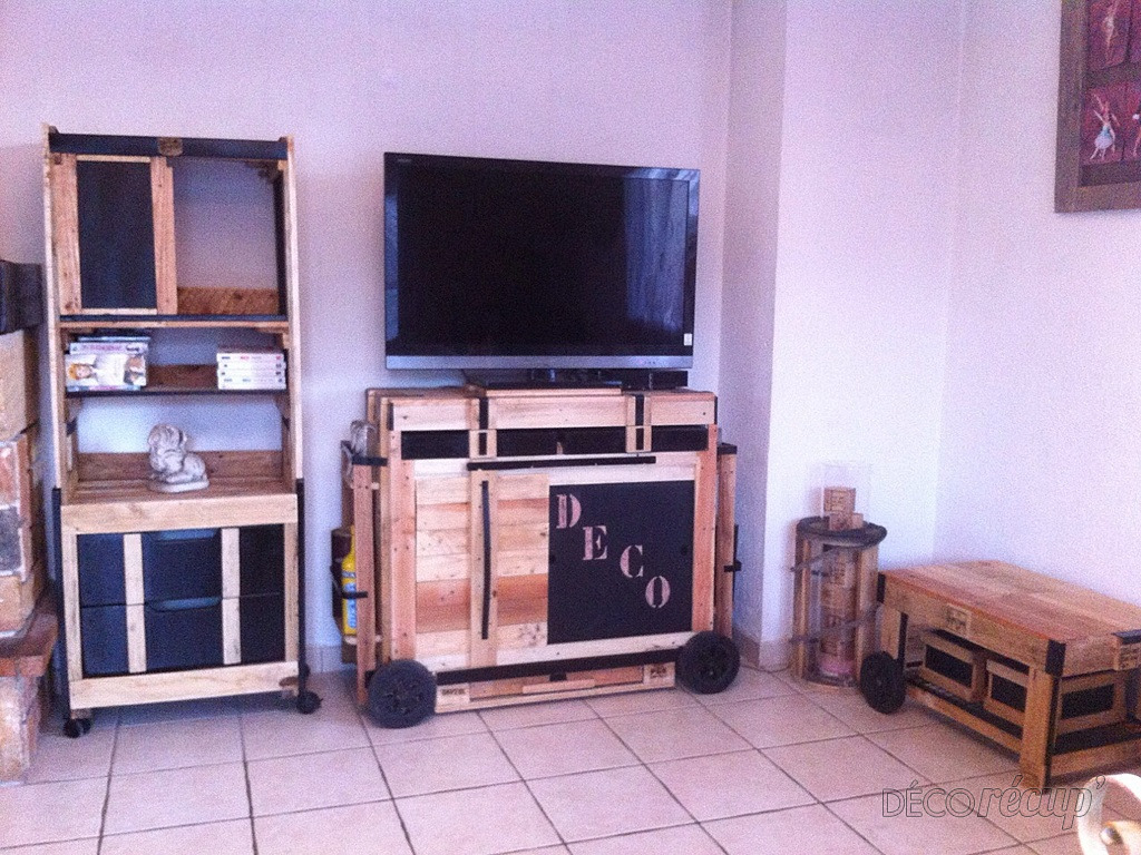 Meubles Tv Et Tag Re Par Le Petit Bricoleur # Meuble Tv Avec Etagere