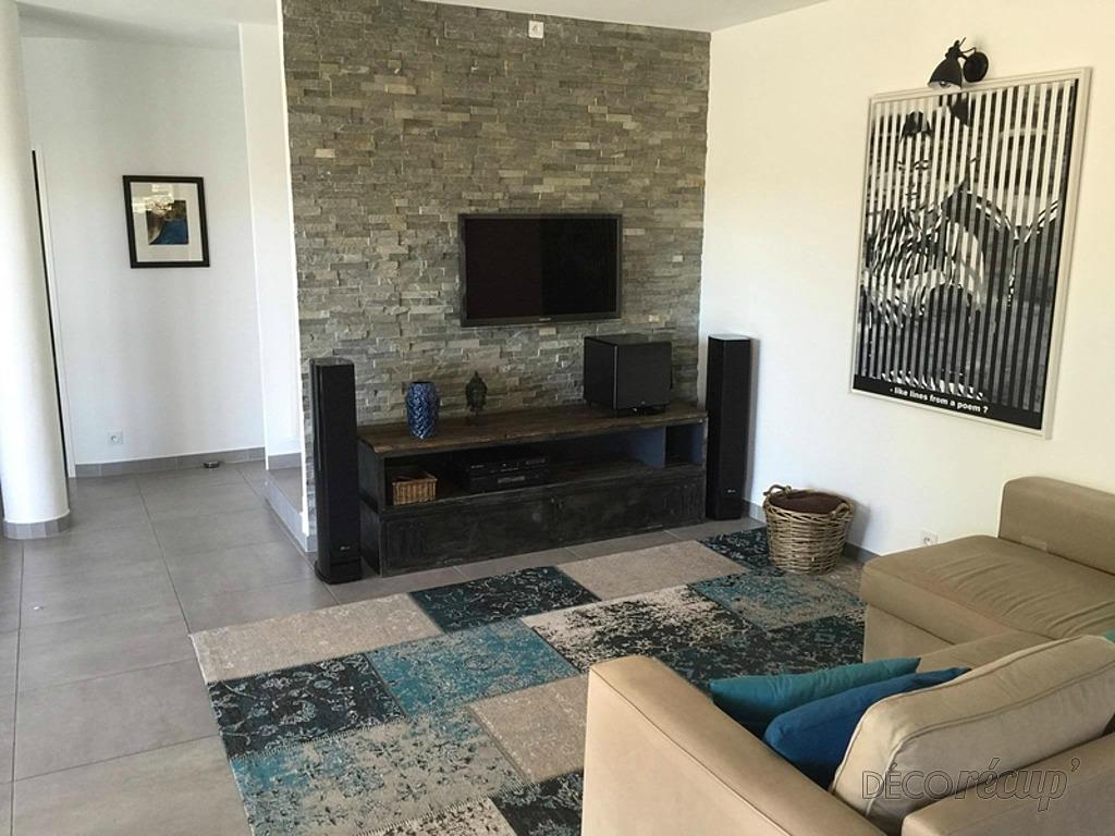 meuble t l industriel par volp 39 art. Black Bedroom Furniture Sets. Home Design Ideas