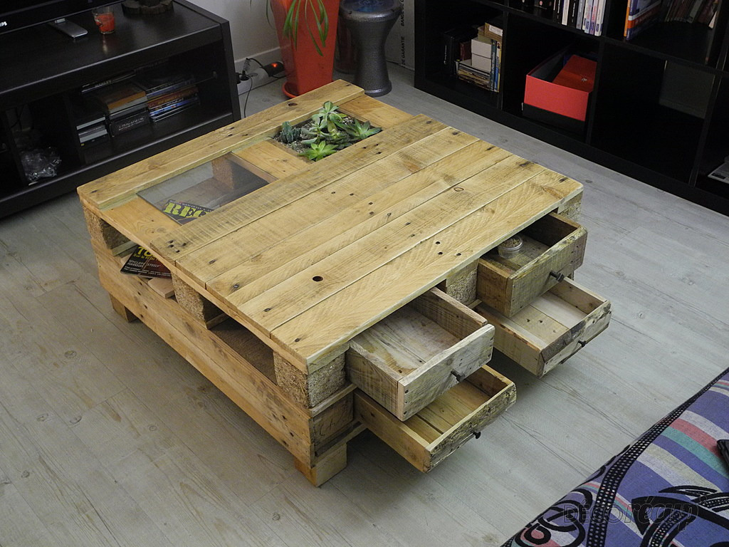 table basse par tito sunj. Black Bedroom Furniture Sets. Home Design Ideas