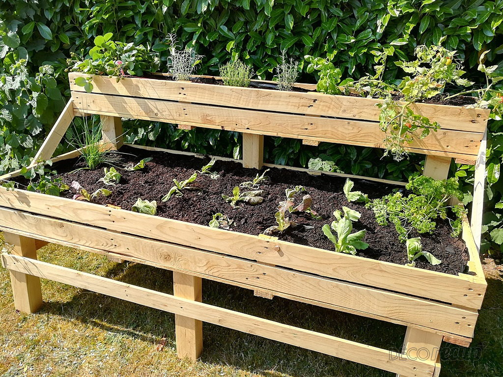 potager sur pied par jsks cr ations. Black Bedroom Furniture Sets. Home Design Ideas