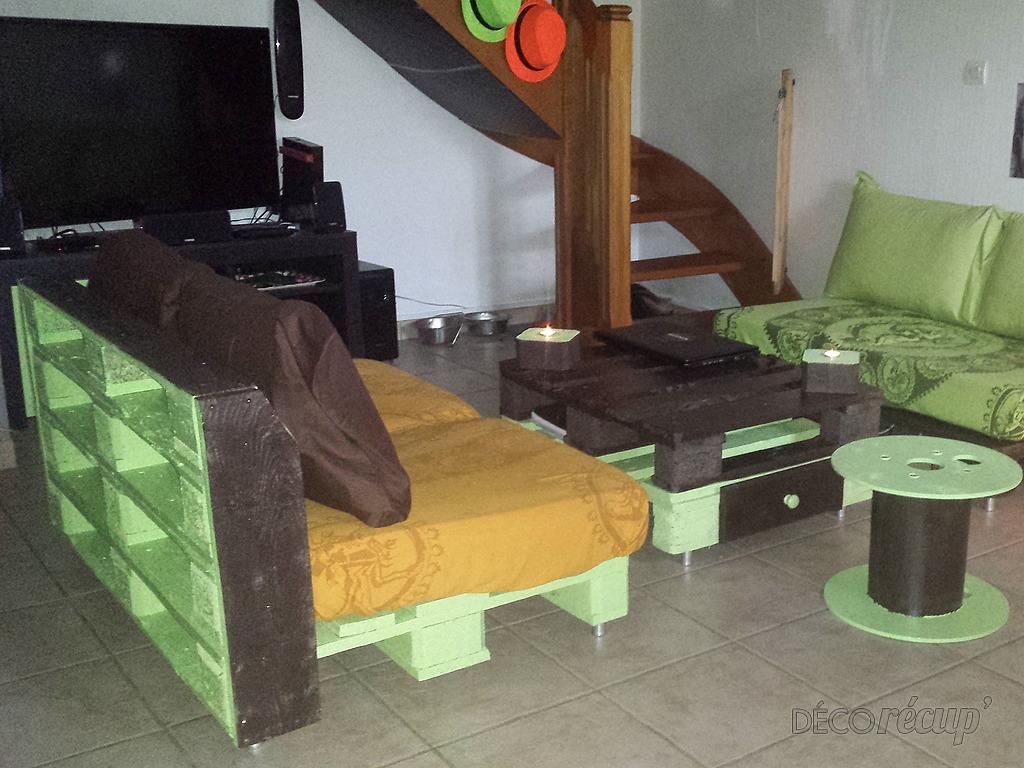 mon salon en palettes euro par isma l. Black Bedroom Furniture Sets. Home Design Ideas