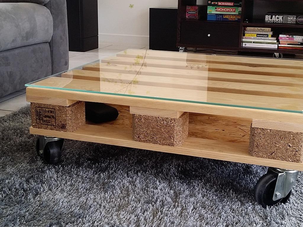 Table Avec Palette Sur Roulettes table basse en palette par zoulouz